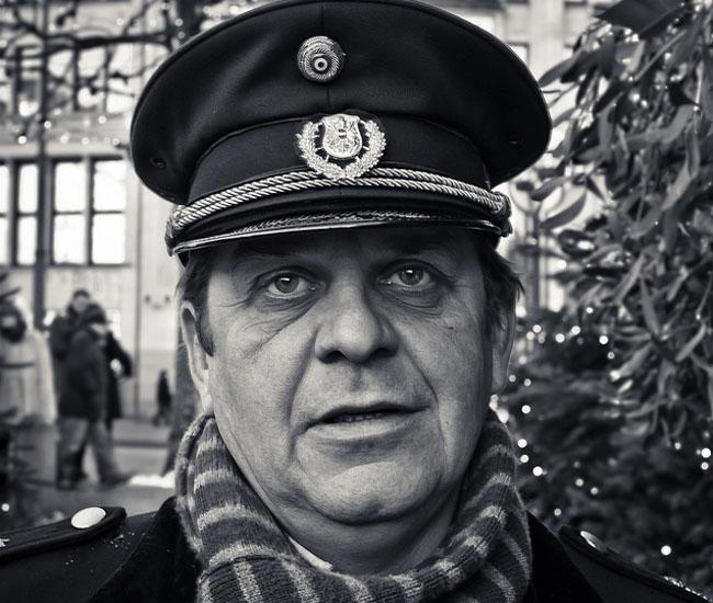 Dude with hat in Hamburg